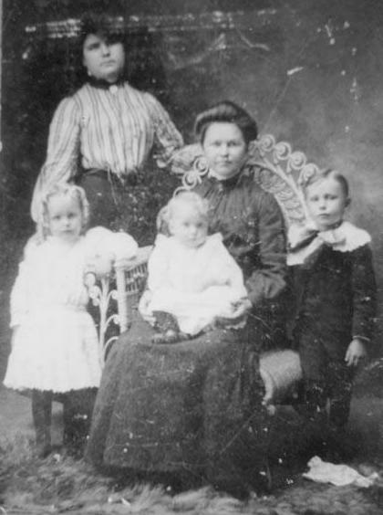 Celeta, Satilla, Connie, Erastus, Earl 1903