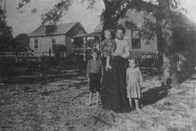 Effie Hagin with Elmer, Edith and Wilbur